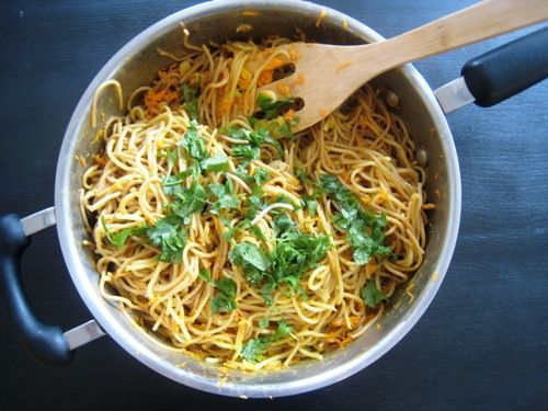 What to do with leftover spaghetti noodles.  I'll have to try this; we always have leftover spaghetti noodles!