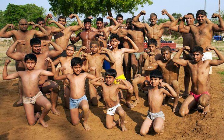 http://comerviajaramar.com/2015/02/28/el-antiguo-pueblo-indio-donde-todos-sus-hombres-son-musculosos/
