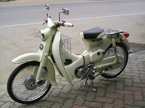 Classic and Vintage Motorcycles: Honda Classic Motorcycles : Honda Classic C 50 Moped 1965