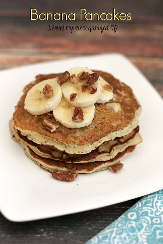 Banana Pancakes- sweet enough on their own- no syrup required! from {i love} my disorganized life