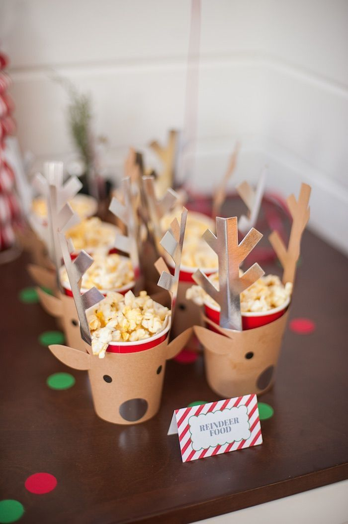 Be Merry Christmas Party. How fun are these reindeer food snack cups? Awesome for a Christmas Party.