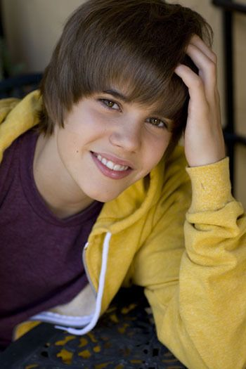 Can't believe that little cutie is going to be 18 this week! (yes, you can call me retarded) I love JB though!