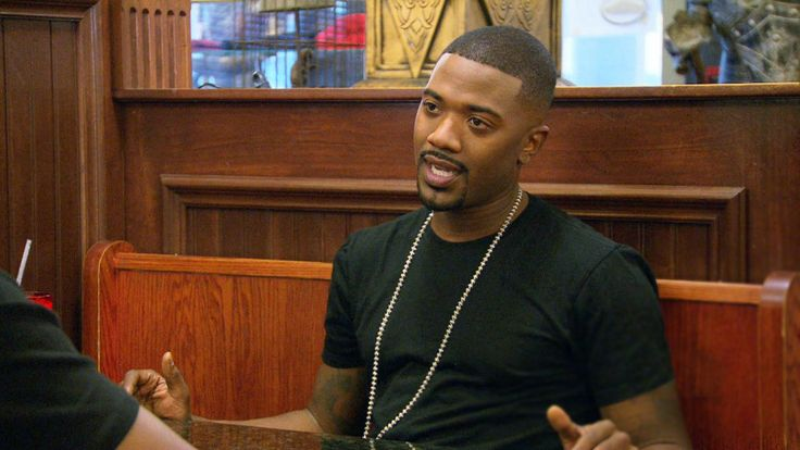 Sweetie Pie's gets a surprise visit from singer/songwriter Ray J, a longtime friend of Tim's. Ray J wants to know one thing: when will Los Angeles see it's first Sweetie Pie's restaurant open?