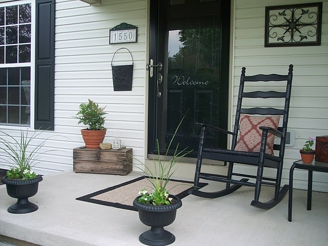 18 best images about front porch decorating on pinterest for Cute front porches