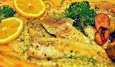 Abadejo al horno, ligera y sabrosa receta con un pescado blanco sin apenas grasa y rico en vitaminas del grupo B. El abadejo no es 'panga'.