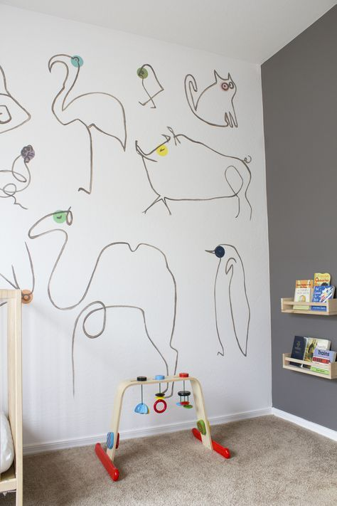 Kids room accent wall with animals kid friendly bedrooms for Mobilia zoo
