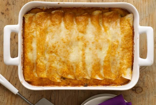 What a great way to bring a little taste of Mexico to your table. This recipe for enchiladas is simple and can be on the table in 30 minutes! Come find out how easy enchiladas can be!
