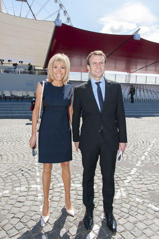 Emmanuel Macron et sa femme Brigitte Macron place de la Concorde le 14 juillet 2016