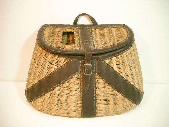 Vintage wicker fishing creel basket large fly fishing for Fly fishing creel