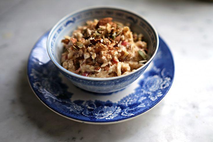 Food Pharmacy | Glutenfri birchermüsli gjord på havreyoghurt. Perfekt som frukost eller mellanmål! - Food Pharmacy