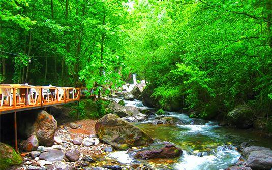 Kocaeli sınırları içinde bulunan Aytepe, İstanbul'a yakınlığı ve doğa içerisinde konaklama imkanı sunan, güzel vakit geçirebileceğiniz bir cazibe merkezidir.  İçinde barındırdığı ormanlık alanı, ırmaklar, baraj gölü, doğa yürüyüş parkurları, alabalık tesisleri ve diğer lezzet adresleri, doğa yürüyüşü, Jeep Safari, ATV, Paintball gibi doğa içerisinde keyifle yapılabilecek aktiviteler ve benzeri birçok alternatif spor seçeneği ile ziyaretçilerine güzel zaman geçirme fırsatı sunuyor.