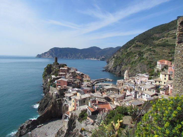 Beautiful Vernazza, in Liguria! More on http://lacucinadipiccipocci.weebly.com/
