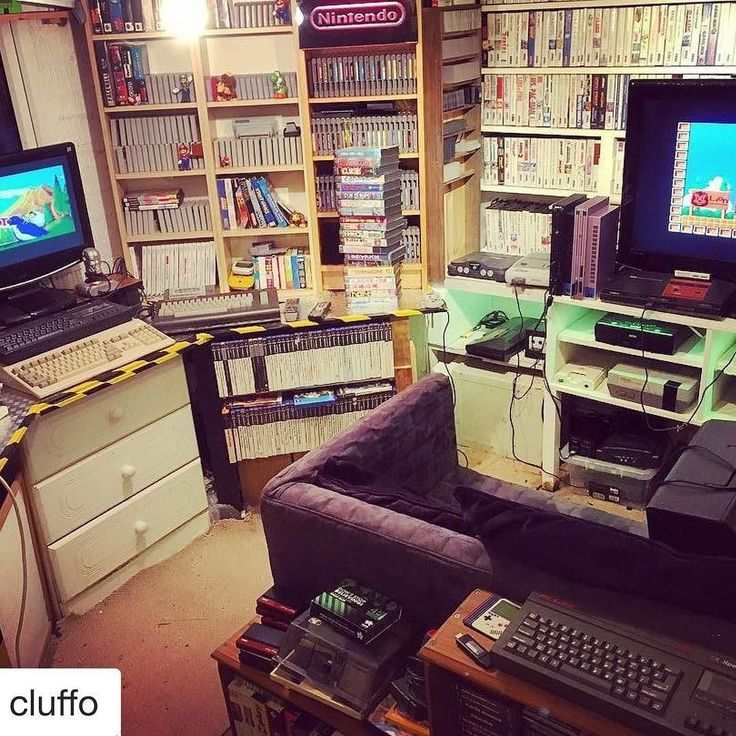 #Repost @cluffo with @repostapp  The New Zealand Story playing simultaneously on the Master system and the Amiga 500 just because I can. #gameroom #commodoreamiga #mastersystem #sega #nintendo #zxspectrum #mancave #ninstagram #igersnintendo #igerssega #playstation #ps2 #atari #gamer #retrogamer #retrogames #retrocollective #retrocollectiveeurope