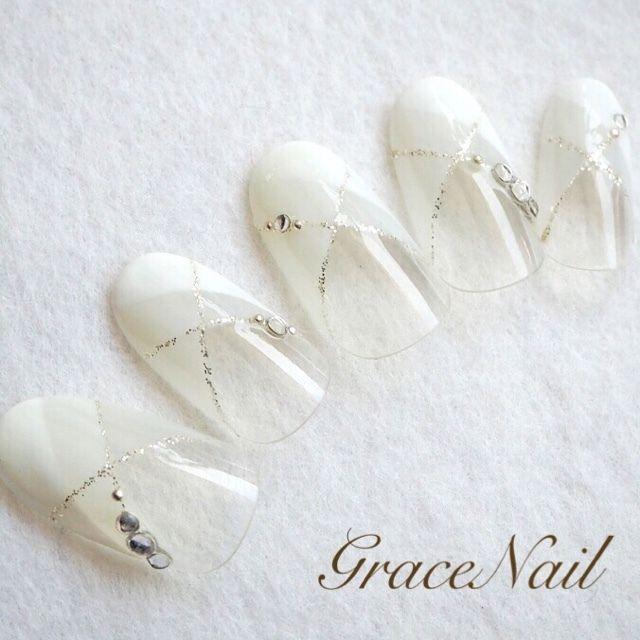 ネイル 画像 GraceNail 反町 972763 白 変形フレンチ ブライダル ソフトジェル ハンド ミディアム