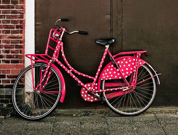 Vélo personnalisé rose à pois blanc
