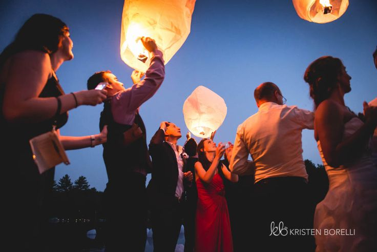 Paper Lantern Release at Wedding | Kristen Borelli Photography | Vancouver Island Weddings | Patterson Kaye Lodge Wedding Photography | Cottage Weddings