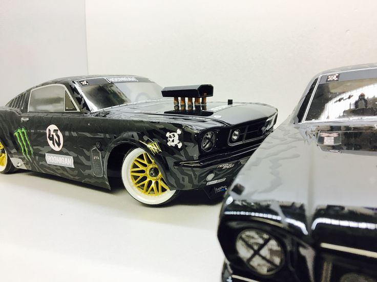 bash body and new body together ford mustang rc cars. Black Bedroom Furniture Sets. Home Design Ideas