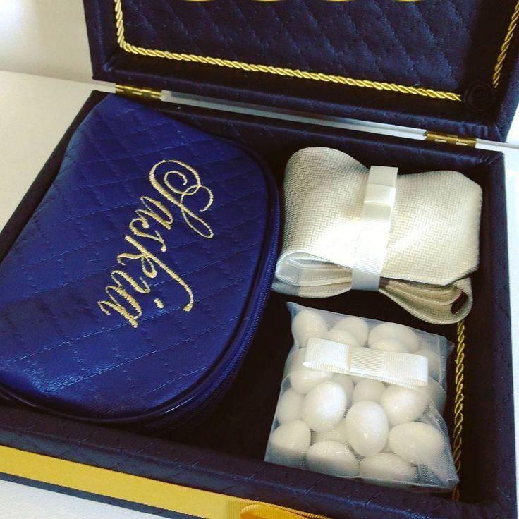 �������� Lindas essas caixas não é mesmo? Lá no @caixaselacos as caixas e o atendimento são extremamente personalizados! Lá vc encontra de tudo relacionado à caixas para casamentos, batizados, presentes para os pais, namorados(as), kits toalete, e não para por ai! Lá também tem gravatas, robes, amêndoas confeitadas, difusores, sabonete liquido, hidratante, e muito mais! Sempre que pensar em caixas, pense na @caixaselacos ! Sem contar que o preço é sensacional! Vale a pena um orçamento…