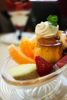 Pudding a la mode, Tokyo 新宿タカノフルーツパーラー