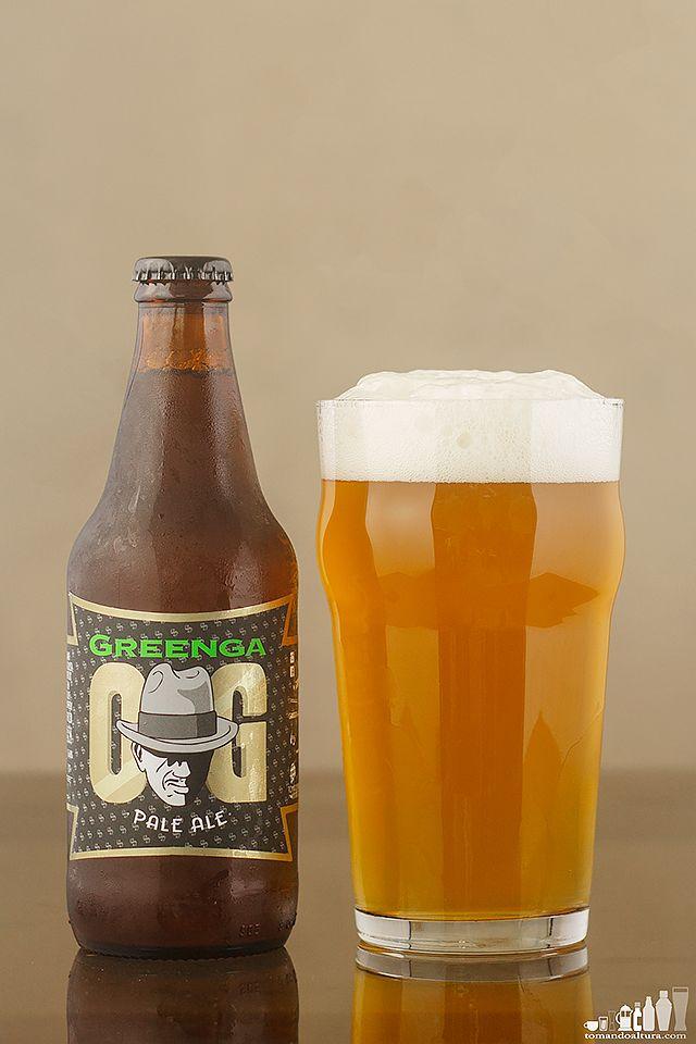 Un Barrilito Lleno De Cerveza Copas De Cerveza Cerveza Y Barriles