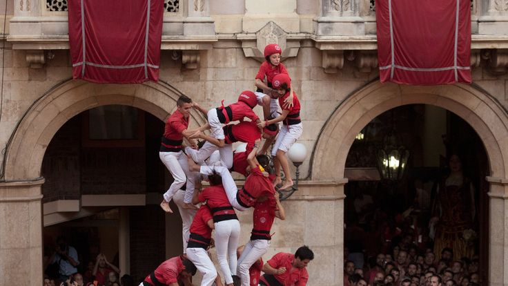 """Catalonia's Human Towers as a Metaphor for Independence - nytimes.com, RAPHAEL MINDER, NOV. 7, 2014. """"The beauty of the castells is that they are built by people of every age, size and belief and are not about politics,"""" he said, """"even if it's probable that 90 percent of those who take part would vote for independence."""""""