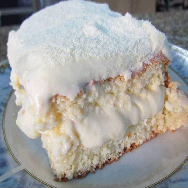 O Bolo Gelado de Leite Ninho é delicioso, fácil de fazer e vai agradar toda a família. Faça para o café ou para a sobremesa. Em qualquer ocasião, esse bolo