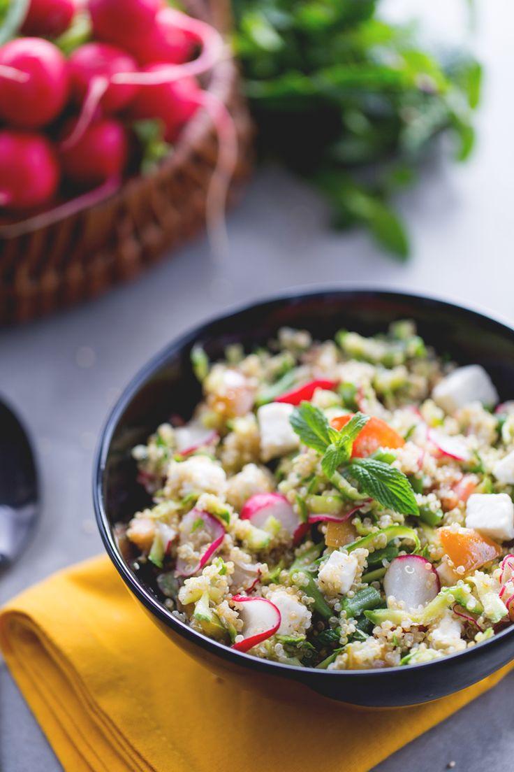 Portate in tavola un piatto fresco e genuino per deliziare occhi, corpo e palato con un trionfo di gusto, colori e benessere: #insalata di #quinoa ! (quinoa #salad ) #Giallozafferano #recipe #ricetta #summer
