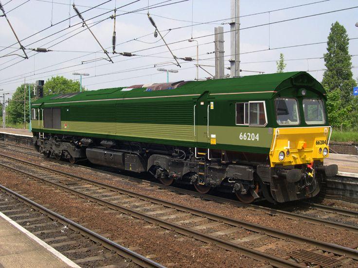 Two-tone green class 66 - Alternative Railways - Galleries - RMweb