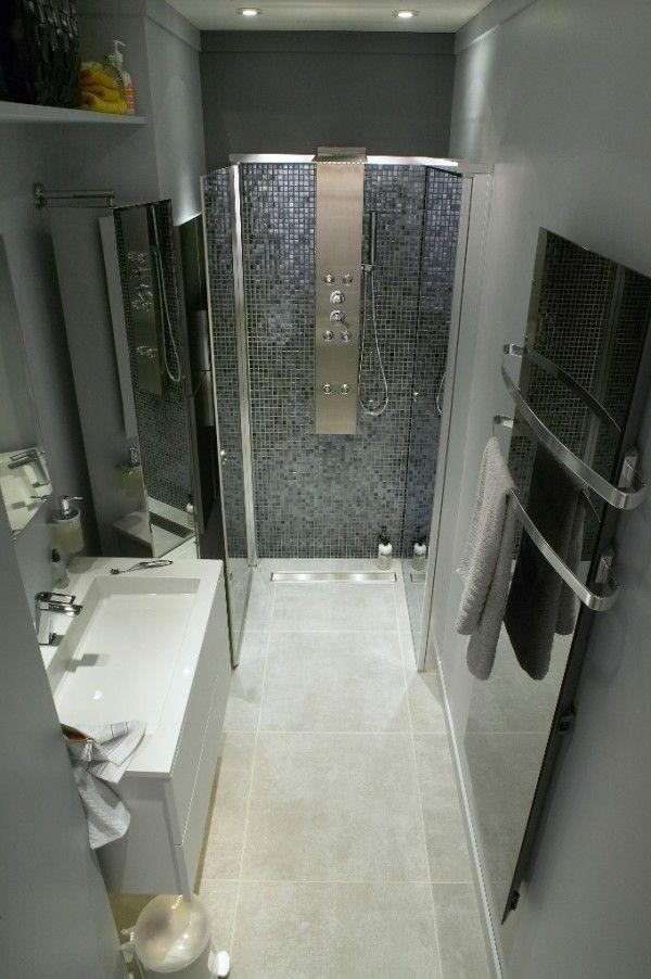 Une petite salle de bain aménagée en longueur  http://www.homelisty.com/amenagement-petite-salle-de-bain/