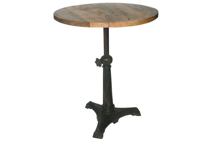 Foto de las mesas para cafeterías modelo Gary de Francisco Segarra.