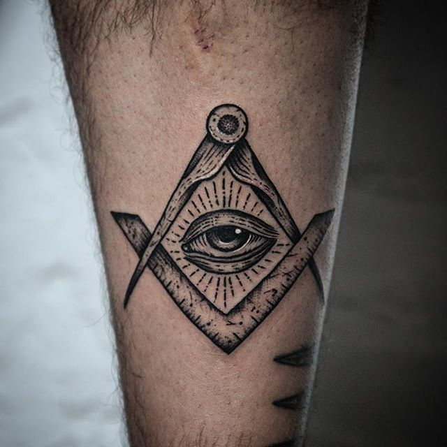 My monthly Date with Piro. Looking forward to next month! Appointments: bobbyanderstattoo@gmail.com @akaberlin #akaberlin #tattoo #blackink #ink #blackwork #blxckink #dotwork #berlintattoo #blacktattooing #blackworkers #freimaurer #freemason #illuminati