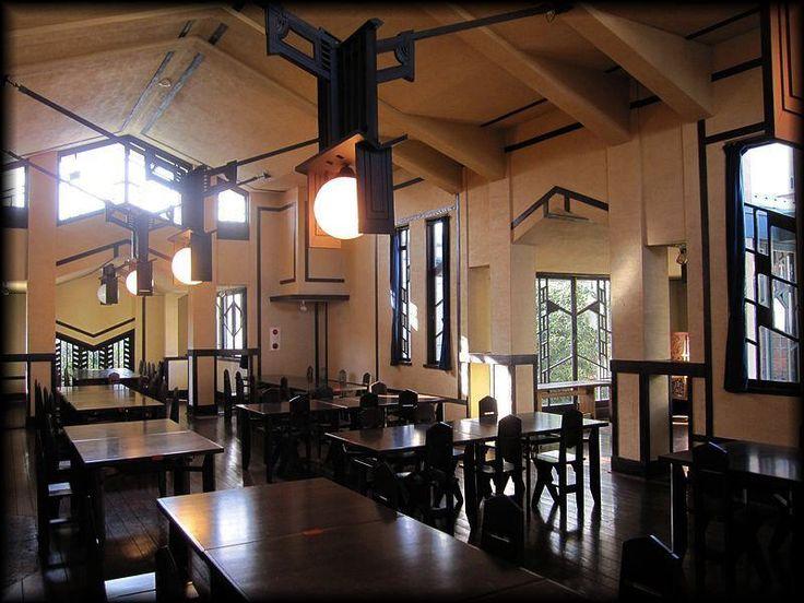自由学園明日館 食堂/フランク・ロイド・ライトの作品/東京の近代建築ルル造形礼賛
