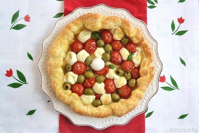 Sfogliata napoletana, scopri la ricetta: http://www.misya.info/2014/07/08/sfogliata-napoletana.htm