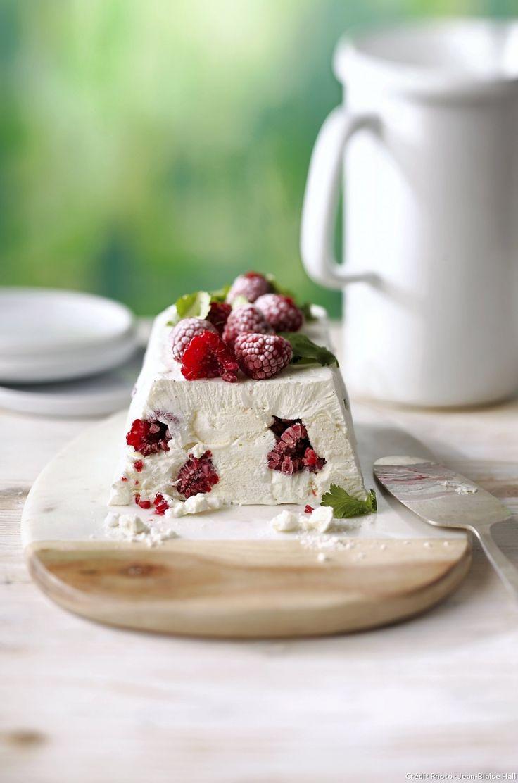 Vacherin framboises-coriandre - Osez d'autres mariages : mêlez la fraise au basilic, l'abricot au romarin, le cassis à l'estragon, la pêche à la Un crémant de bourgogne blanc verveine…