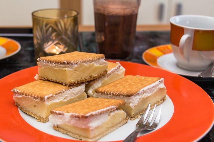 Keks-Törtchen lecker serviert