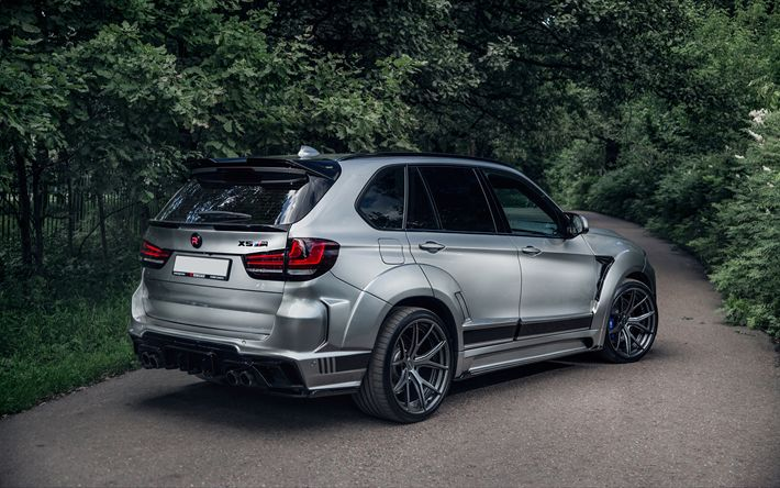 Download Wallpapers Bmw X5 2018 A Luxury Silver Suv Tuning X5 German Cars Bmw Besthqwallpapers Com In 2020 Bmw X5 Best Suv Cars Bmw Suv