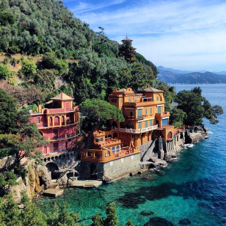 Portofino, Italy  @mariahoriati