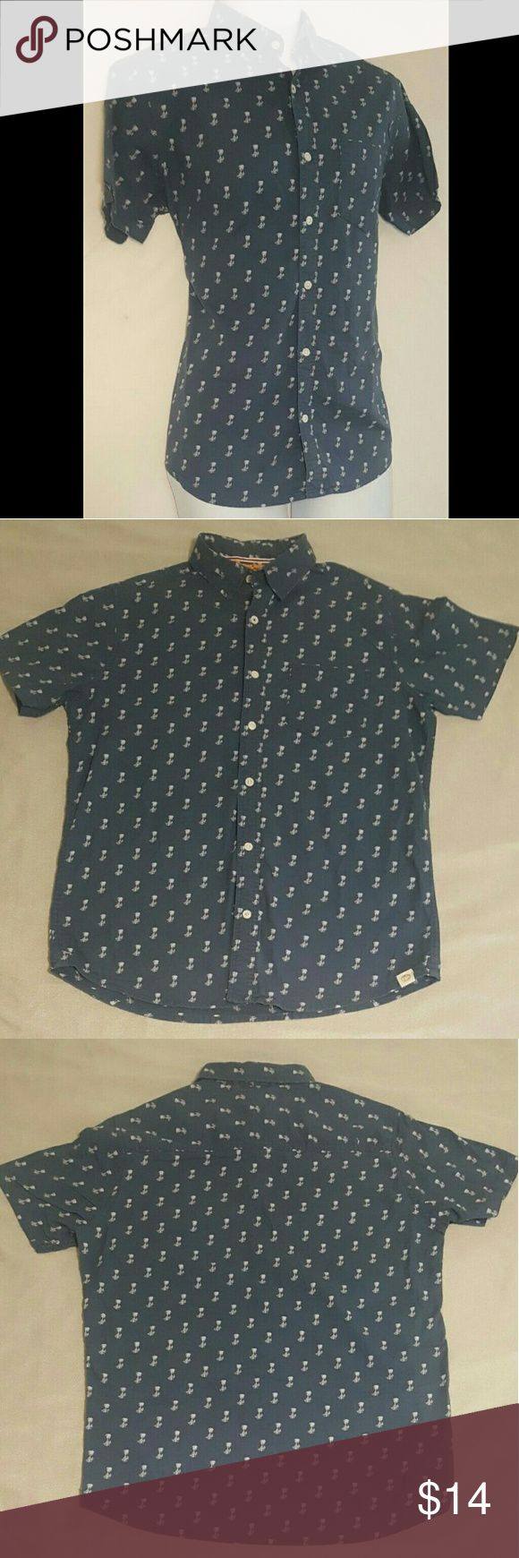 Free Planet Medium Tropical Palm Tree Print Shirt Free Planet   Tropical  Palm Tree Print  Button-down  Casual  Dress Shirt   Pre-owned - Used  Please See Photos  Marking on Tag   Blue  Men's Size Medium  100% Cotton  Made in India   Fast Shipping and Handling   Love The Item but,   Not The Price?   Make An Offer!     Like The Item but,   Not Quite Right?   Browse Our Store! Free Planet Shirts Casual Button Down Shirts