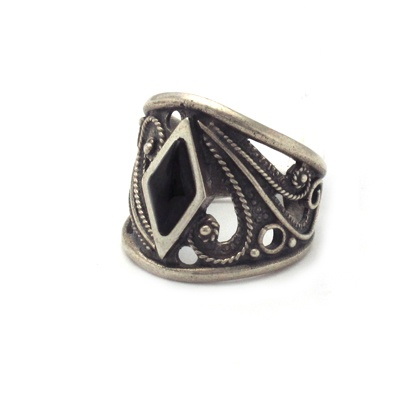Silver and jet ring. Handmade in Galicia. Artcraft of The Way of Saint James. Tax free $42.90