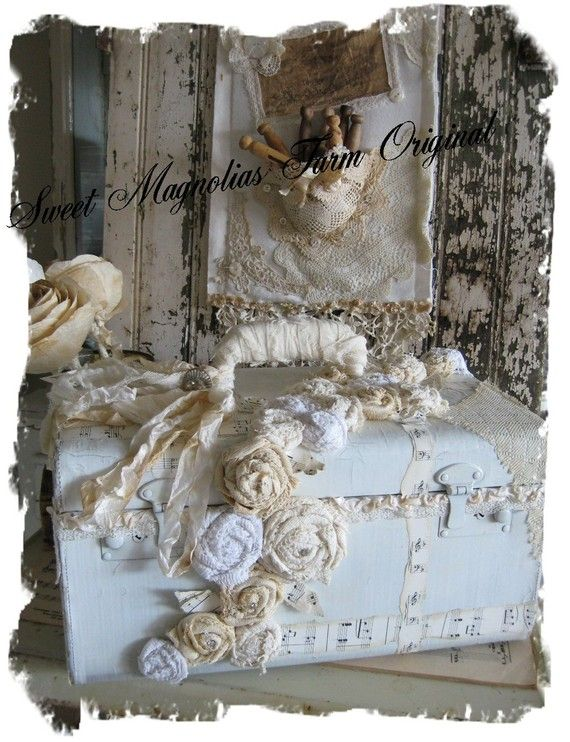 Sweet Magnolias Farm Original Designed .. Lace and Rosettes Train Case ... Living at it's new home sweet home.