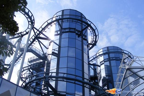 10/13 | Photo du Roller Coaster Euro Mir situé à @Europa-Park (Rust) (Allemagne). Plus d'information sur notre site http://www.e-coasters.com !! Tous les meilleurs Parcs d'Attractions sur un seul site web !! Découvrez également notre vidéo embarquée à cette adresse : http://youtu.be/wEM_IozURDg