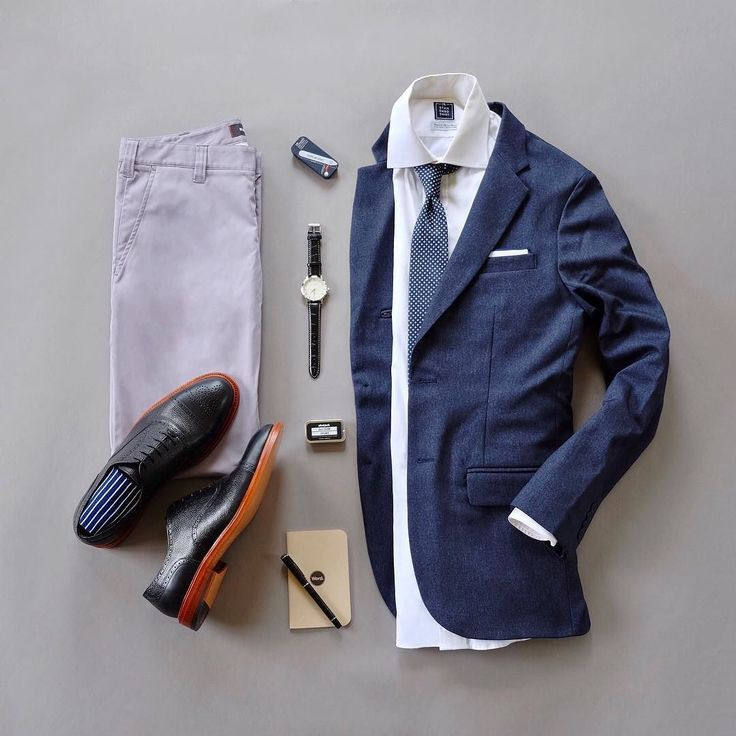Sundays Best. Todays combo is called The Parker named after the latest @sprezzabox ...this months box has awesome accessories from @maenwatches @anivycopenhagen @alarashirt @sprezzanyc !  One more thing for those of you who are looking for collar stays check out @wurkinstiffsinc they have a giveaway going on their feed.  Check it out for details.  Tie: @anivycopenhagen via @sprezzabox  Pocket Square: @alarashirt via @sprezzabox  Shirt: @standardshirt  Blazer: @bluffworks  Collar Stays…