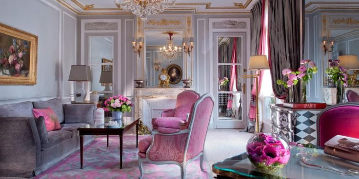 sex and the city room at plaza athenee in paris. Black Bedroom Furniture Sets. Home Design Ideas