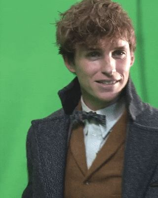 Eddie Redmayne takes us through the new virtual reality experience that lets you get up close and personal with some of Newt Scamander...