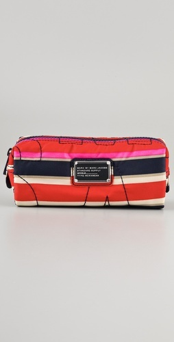 Marc by Marc Jacobs cosmetic bag: Cosmetic Case, Nylons Narrow, Jacobs Cosmetics, Cosmetics Cases, Cosmetics Bags, Narrow Cosmetics, Marc Jacobs, Pretty Nylons, Bags Bags