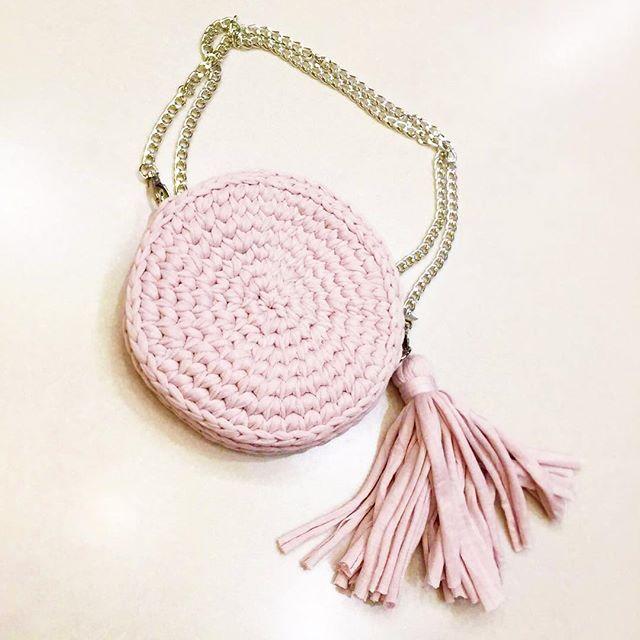 Первая наша сумочка уже радует обладательницу. 🌸Очень приятно делать заказы для девочки , знающей в этом толк @glazyrya 😘#сумки_by_sweet_knit #розовыйфламинго #зефирнаялюбовь