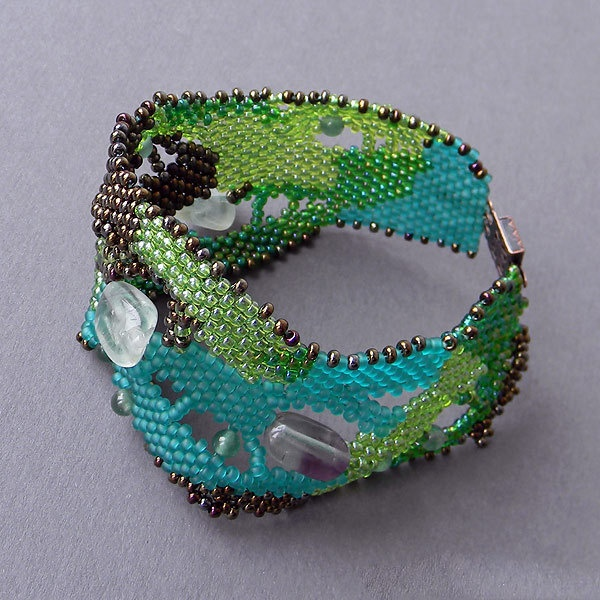 Green Beaded freeform bracelet  with fluorite - free form peyote, beadwoven bracelet. 35.00