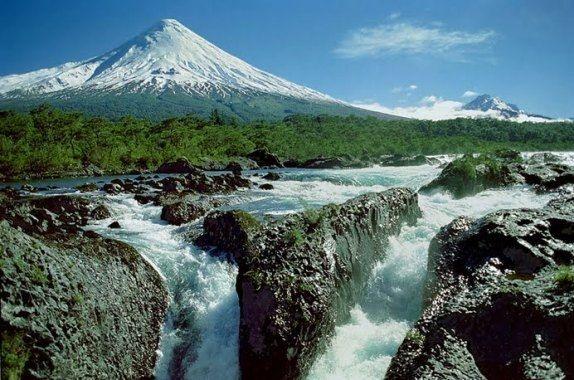 Lakes Crossing Chile-Argentina  Saltos de Petrohue Booking: www.visitchile.cl