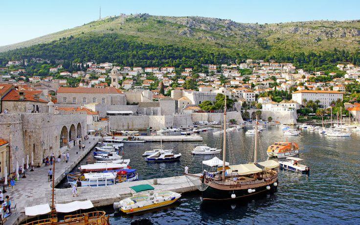 Bubrovnikin alue. Koko Dubrovnik henkii historiaa! Koe vanhakaupunki ja rentoudu aurinkorannalla. www.apollomatkat.fi #Dubrovnik #Kroatia