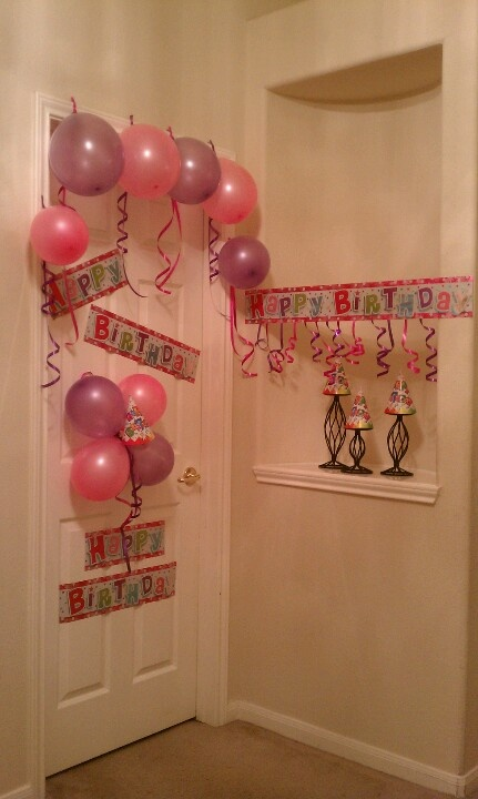 Birthday door decorations birthday shower dinner party for Idea for door gift